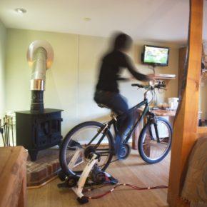 Эко-ориентированный отель установил телевидение, приводимое в действие от велосипеда.